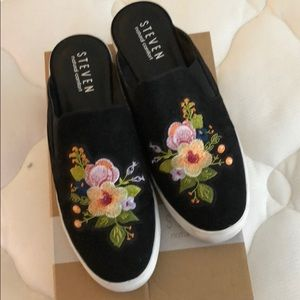 11W embroidered sneaker mules